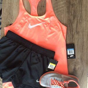 🆕(M) Nike Tank Top